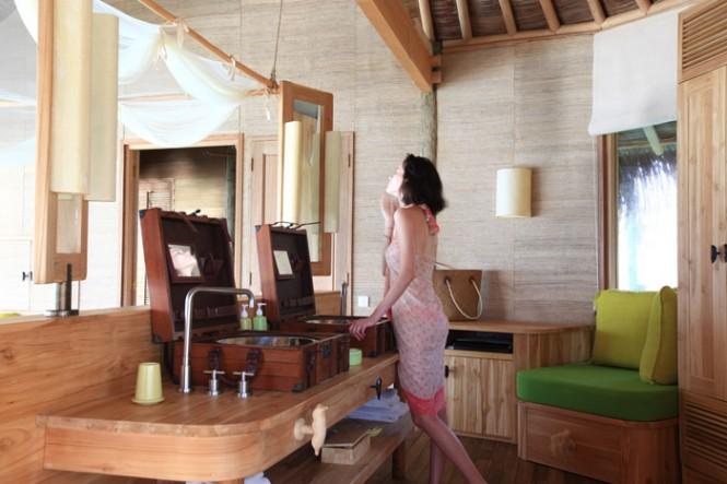 maldives-resort-bathroom-665x443