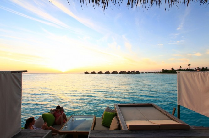 sunset-deck-maldives-665x441