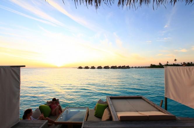 sunset-deck-maldives-665x441