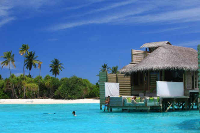turquoise-water-maldives-resort-665x443