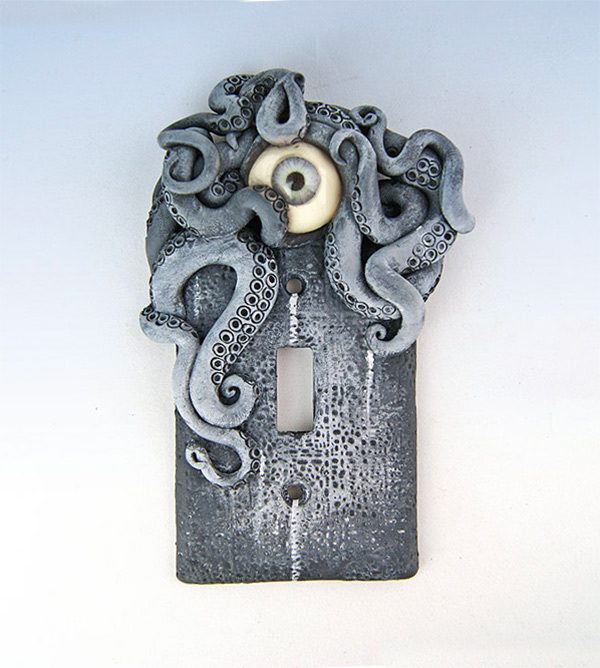 science-fiction-light-switch-cover-gift-idea-600x668
