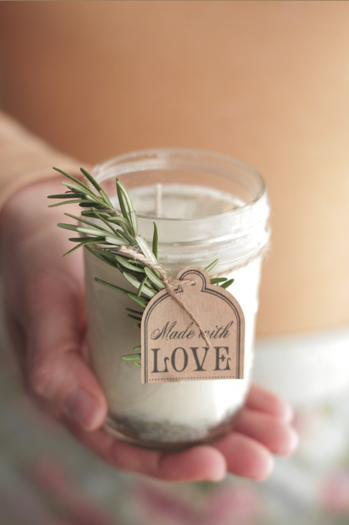 diy-natural-lavender-and-rose-candle