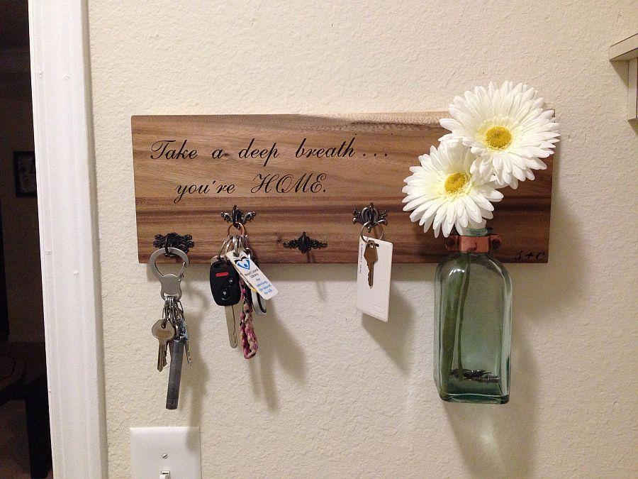 More-traditional-DIY-key-holder-idea
