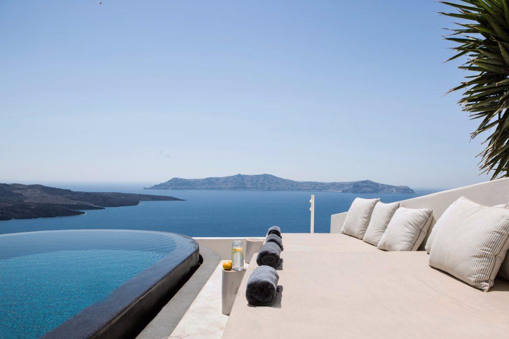 resort-Santorini-2