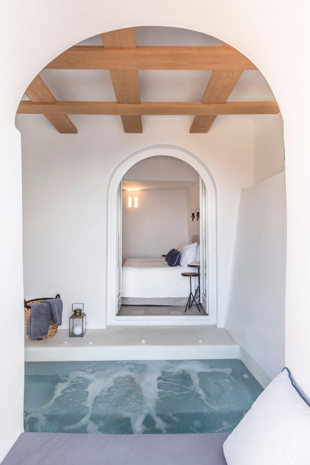 resort-Santorini-3