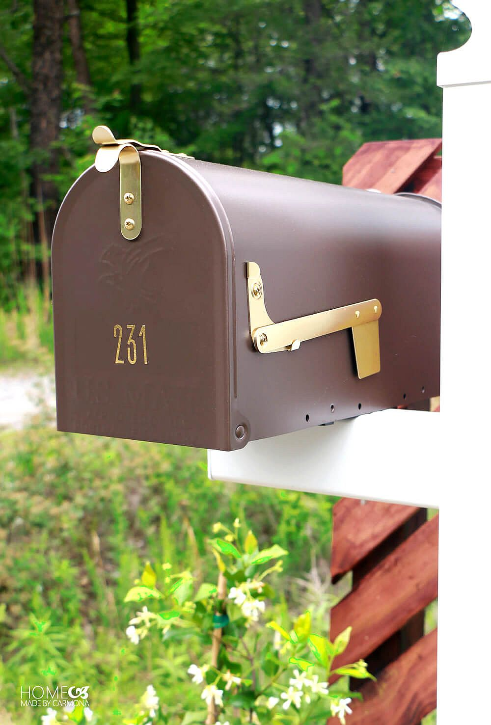 Personal-stylized-DIY-mailbox-idea